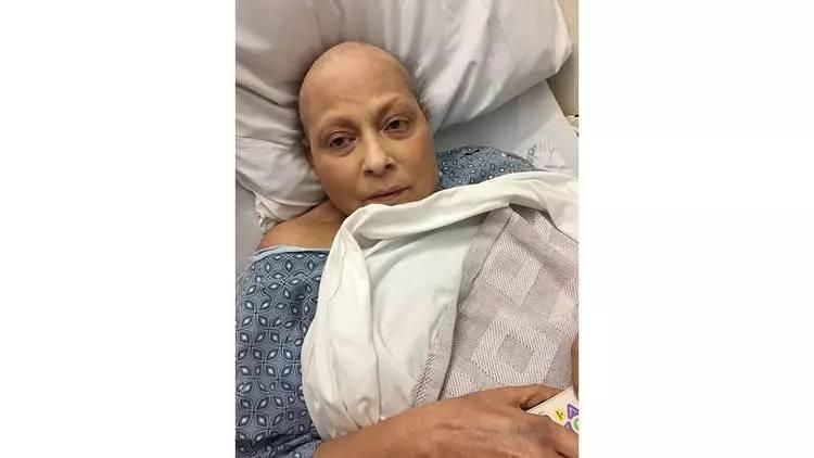 女子用42年强生爽身粉确诊卵巢癌获赔近28亿