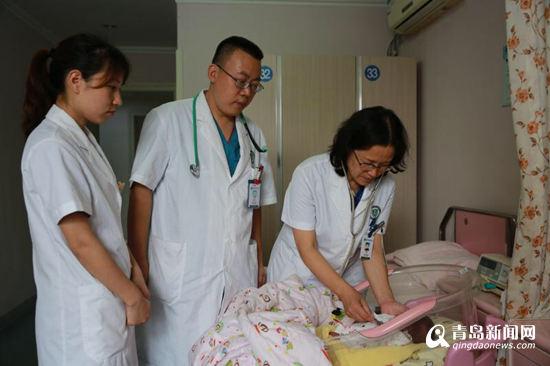 奇迹!体重440g的巴掌宝宝活下来了 日前已出院