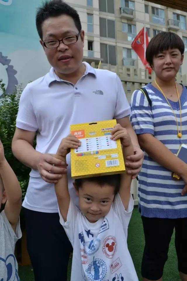 红黄蓝幼儿园开学典礼 欢乐创意汇七夕(组图)