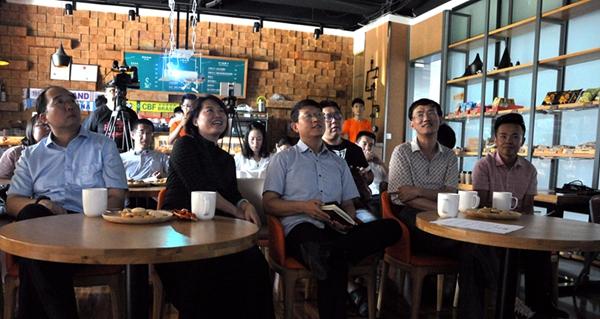 雅致的创业咖啡厅,给青岛互联网大