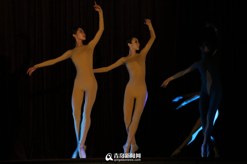 青农大上演芭蕾舞专场演出气质舞者仙气十足