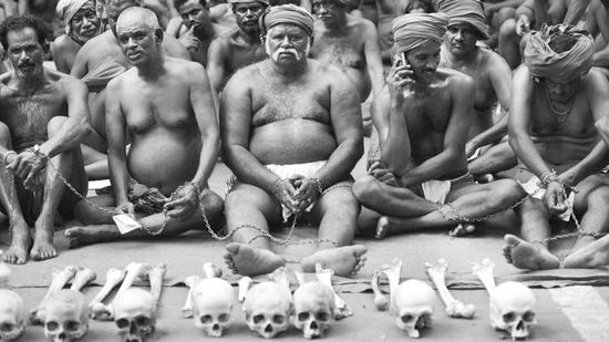 印灾民为求政府关注吃自己粪便 称还将吃人肉