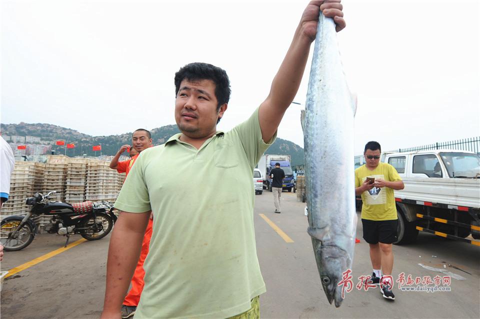 开海以来大鱼陆续上岸 万斤海货瞬间被扫光