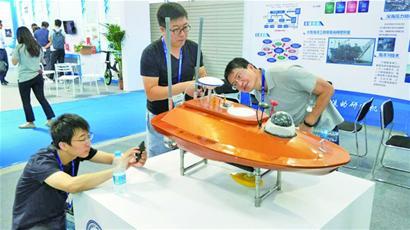 海科展秀青岛力量 亚洲首个全自动化码头青岛造