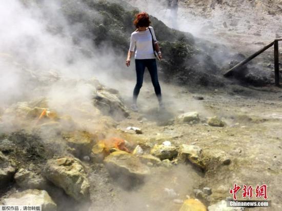 意大利三名观光客跌入火山口丧命 死者包括儿童