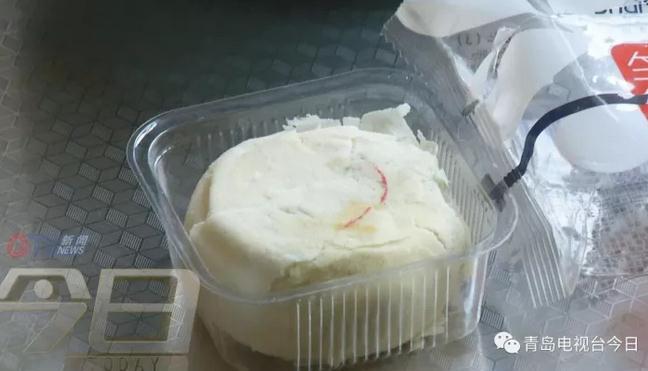 知名面包店买来月饼 第二天竟然长毛了