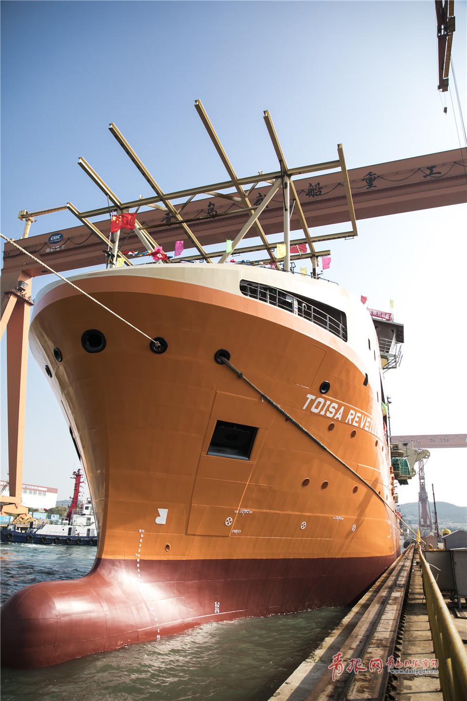 围观海上巨无霸 高端水下机器人支持船在青出坞