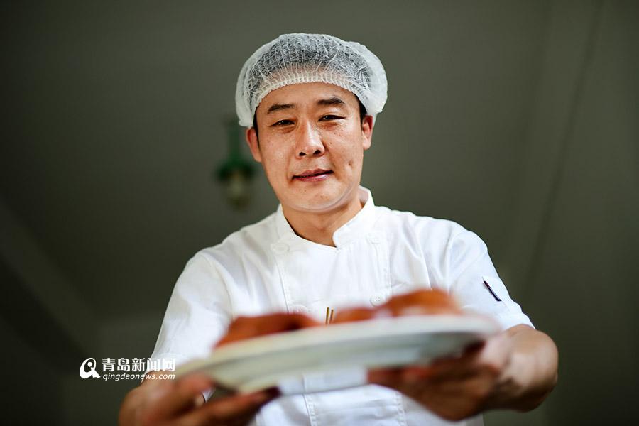 【青岛故事】他用39年的老汤 做了17年猪头肉