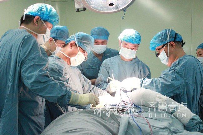 男子肩胛骨粉碎性骨折 医院用上3D打印治疗