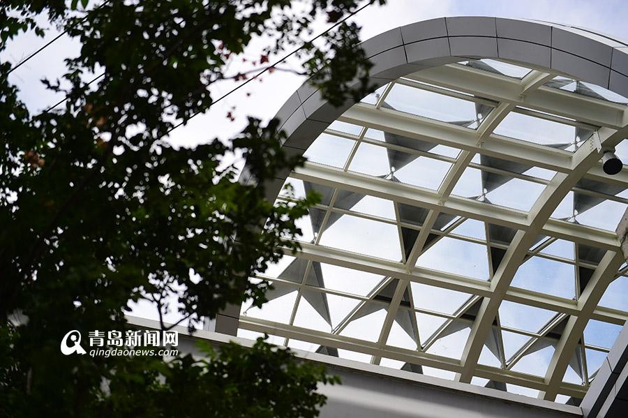 高清:探访11号线北九水站 四面环山景色优美