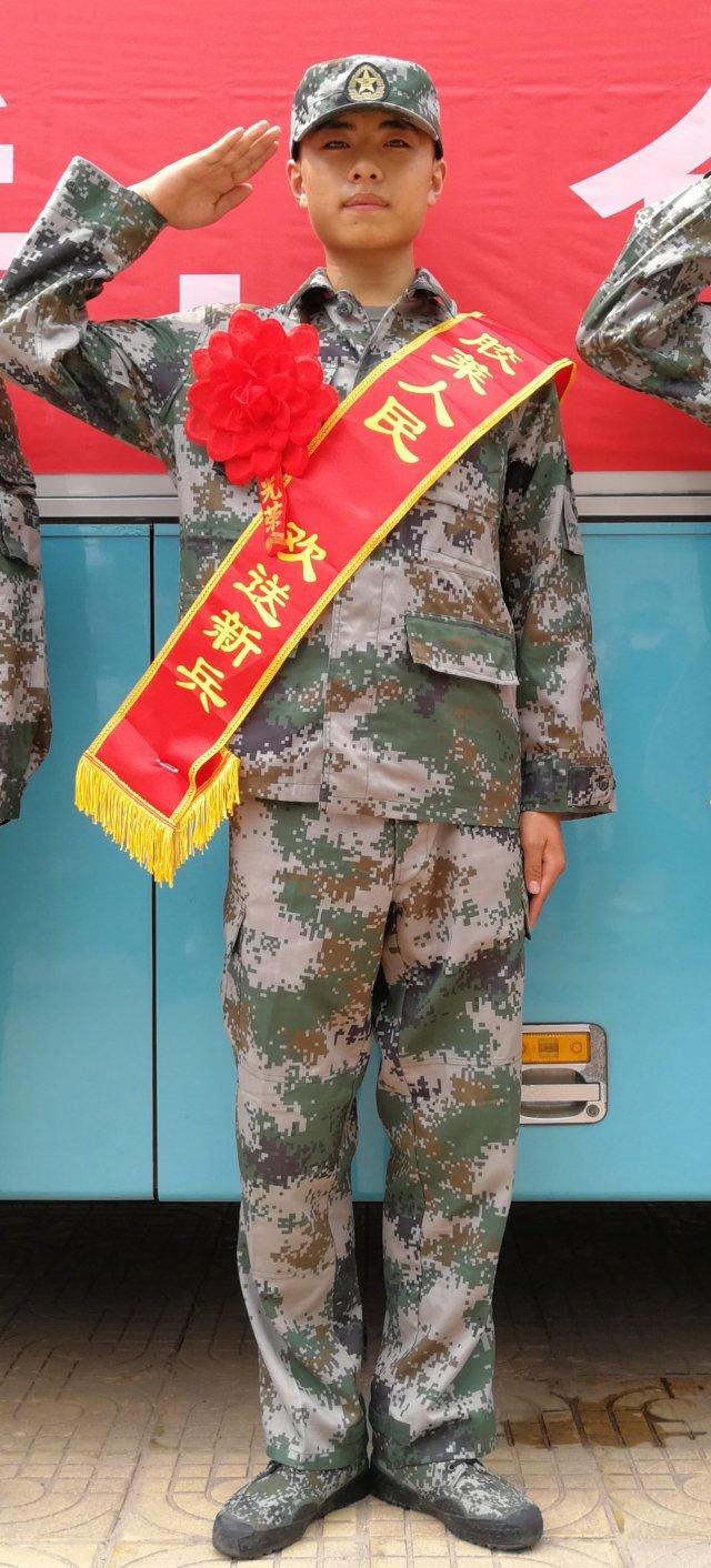 三岁父亲去世母亲改嫁 胶州大学生坚持圆从军梦