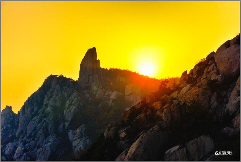 高清:彩叶模式初迎高潮 周末去巨峰看五花山