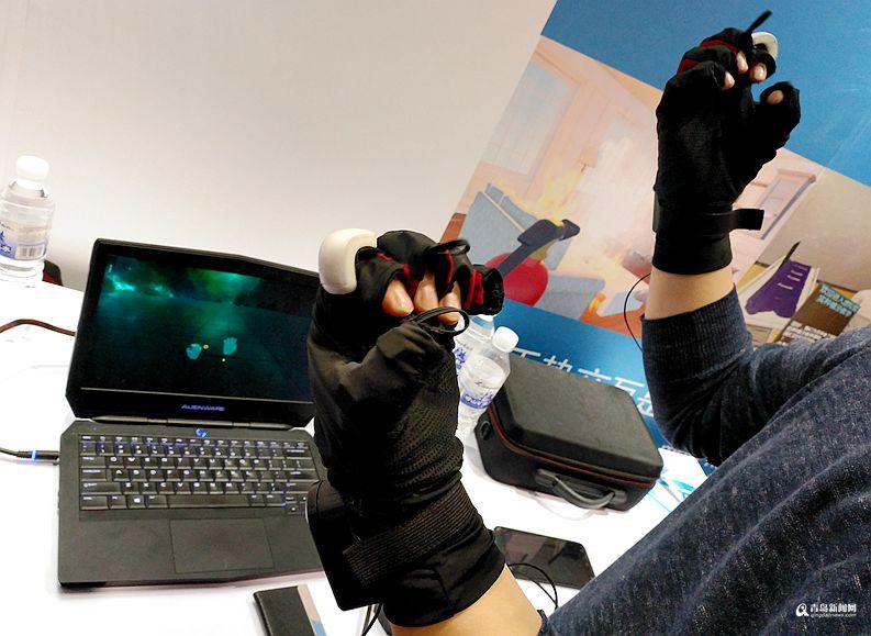 高清:顶级VR娱乐设备亮相青岛 看哪种最刺激