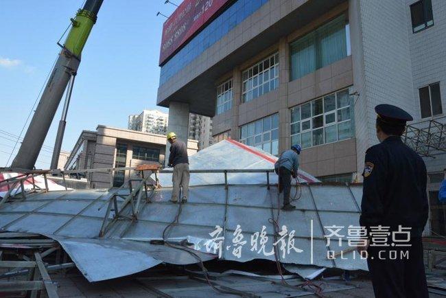 香港中路9处户外广告拆完 福州路广告牌开拆