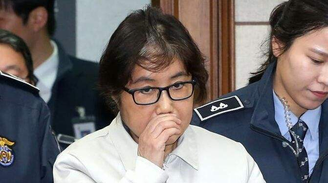 朴槿惠闺蜜崔顺实二审被判3年 前梨大校长被判2年