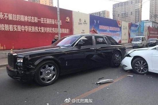 网上澳门赌博:千万劳斯莱斯被现代车撞_豪车车主:卖房吧(图)