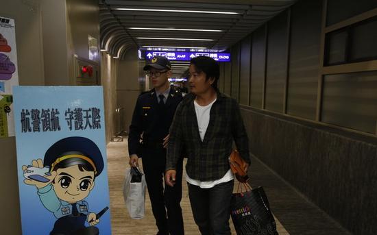 澳门国际娱乐场:日本乘客飞机耍酒疯袭空姐_日网友:脸都丢尽了