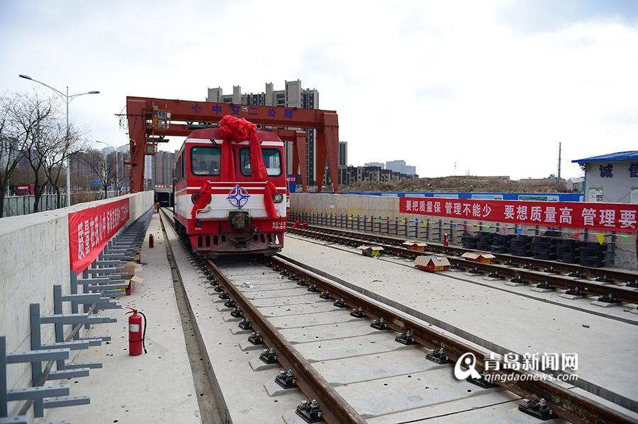 高清:探访青岛地铁13号线车站 主体全部完工