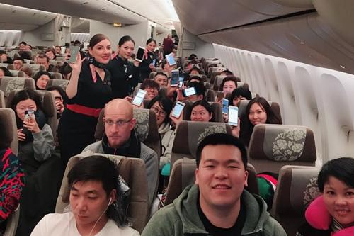 金沙娱乐赌场官网:空中刷朋友圈!东航181个正在执飞航班可玩手机