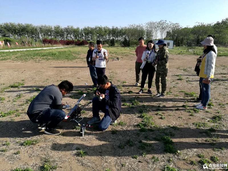 【游青岛】有一个地方 可以让孩子和无人机一起飞翔
