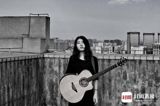 这个欧洲全身不简单中国街头八高清言轮番唱国语女孩照女生图片