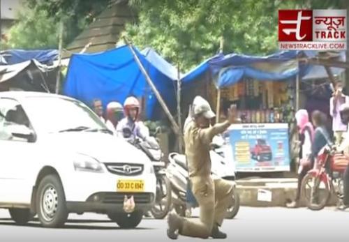 """边""""跳舞""""边指挥交通?印度交警非常创意走红(图)"""