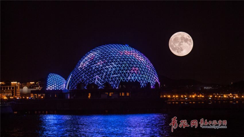 组图:海上生明月天涯共此时 中秋夜皓月当空美若仙境