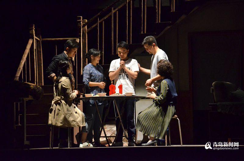 、中央戏剧学院舞美系副教授张华翔这些国家级主创团队的加盟,剧中