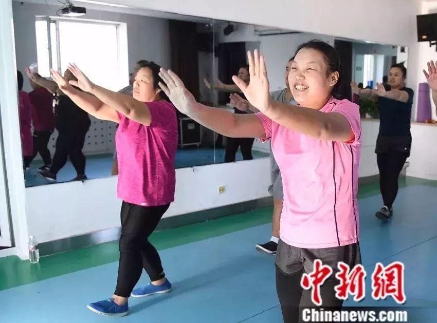 山东这对610斤肥胖母女超励志 一年共瘦身324.6斤