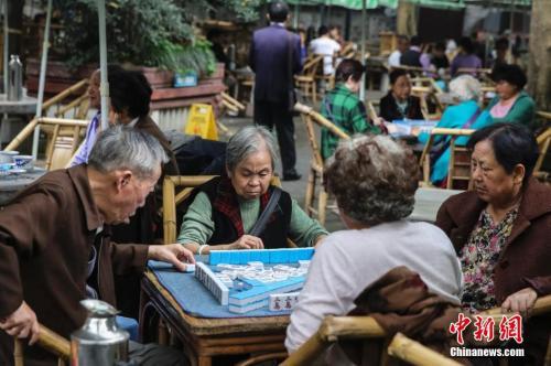 牌桌上的中国新年:春 壮盛团体平台_节休闲娱乐为何热衷于打