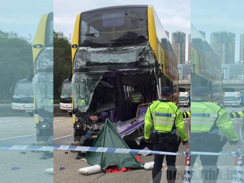香港发生巴士与货车相撞事故 2人死亡10余人受伤
