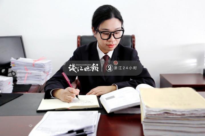 陈晓麒作为旁人体味到了那段悲剧的症结