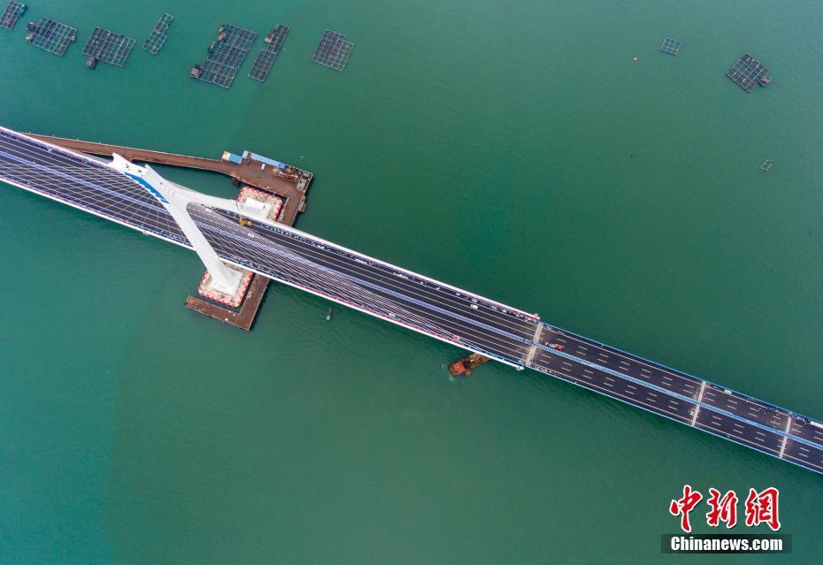 中国首座跨地震断层跨海桥梁——海南海文大桥开通