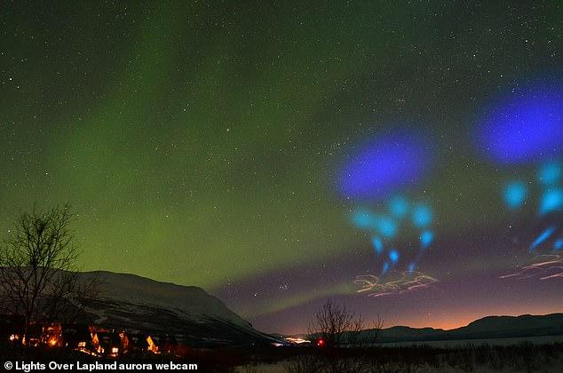 北极夜空发现神秘蓝光 外星人说法遭NASA否认,南宫中学校歌