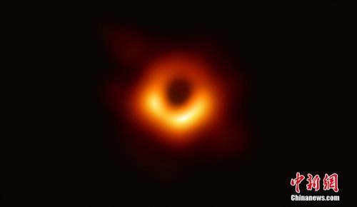 """人掉进黑洞会怎样? 可能被拉成""""面条""""也可能活着,泛微论坛"""