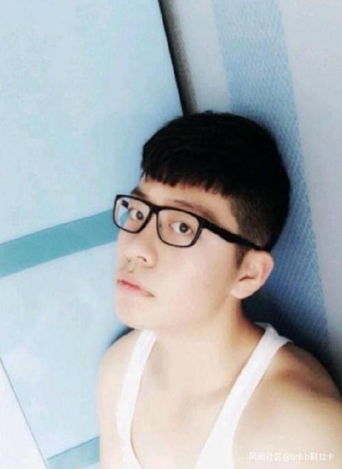 疑炫富被绑 中国留学生的父亲被爆是宗教界的他!,姜斯宪被贬