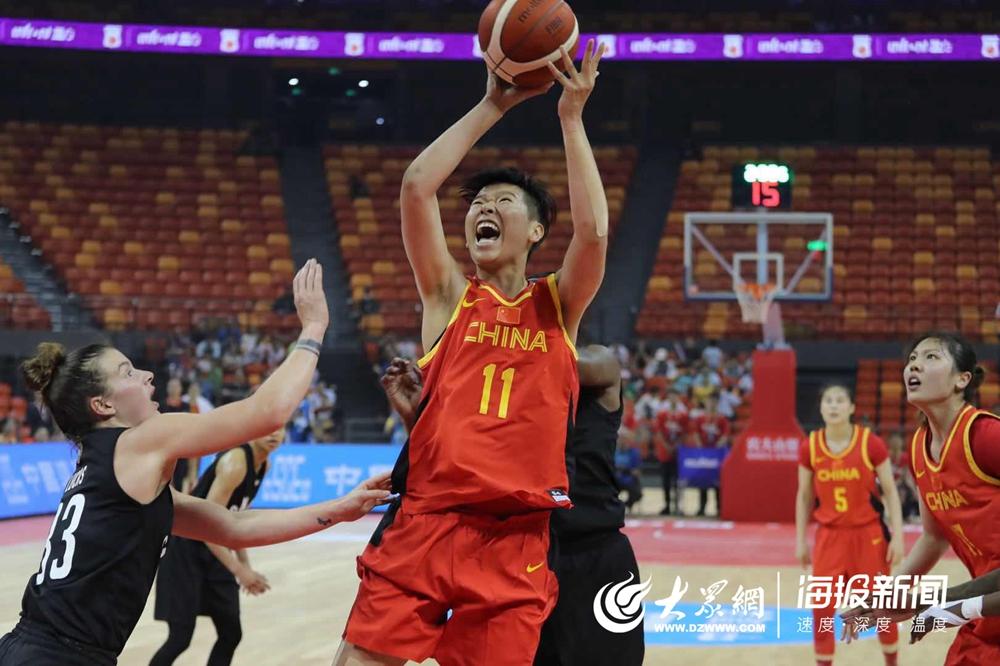 中加女篮对抗赛:中国女篮96比74大胜加美明星队