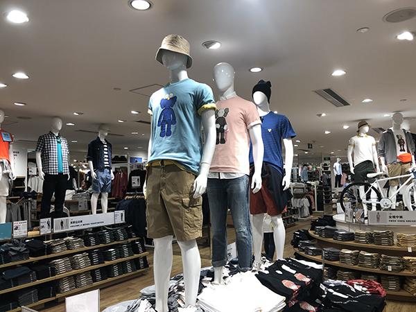 优衣库门店联名款T恤上午遭疯抢 下午还有人排队,赛尔号沃拉普