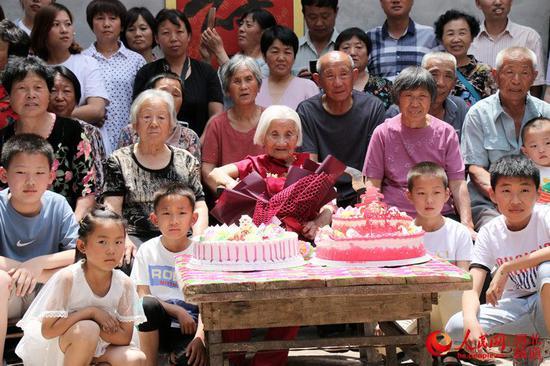 河北103岁老人过生日 五代168口同堂(图),艾格尼丝迪恩