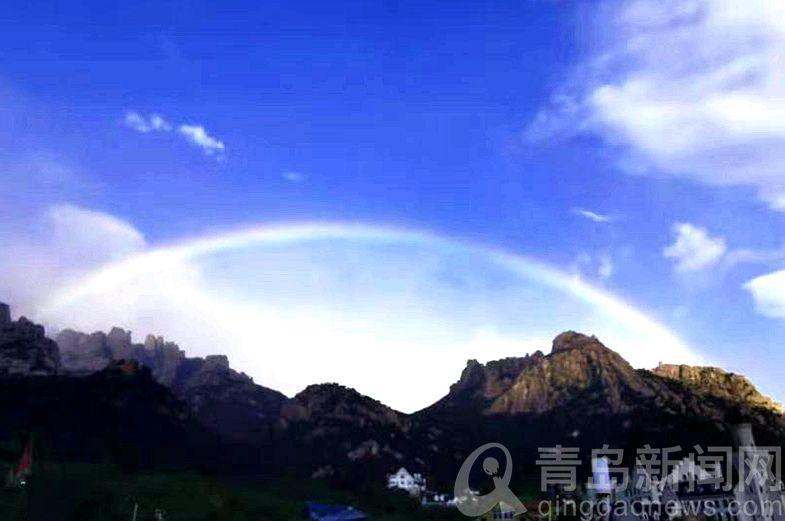 不霁何虹 看狂风暴雨后崂山仰口蓝天与彩虹同现