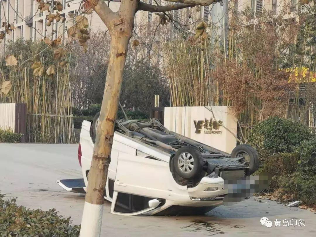 突发!黄岛街头两起车祸!场面让人震撼!