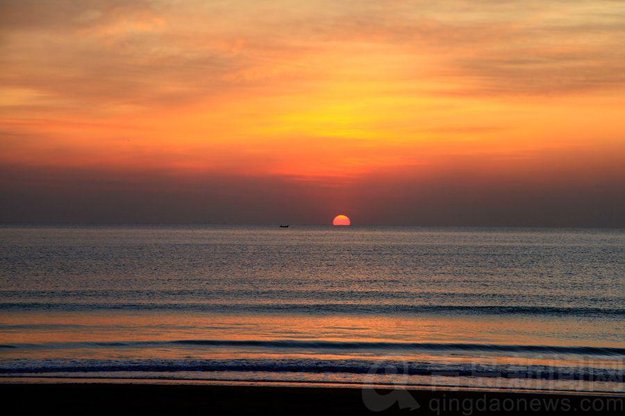 """冬日早晨 在青岛来一场令人振奋的""""夸父逐日"""""""