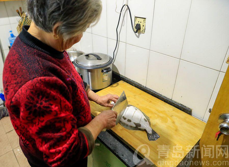 迎新年 看西海岸海青鎮王玉珍大媽家的年夜飯