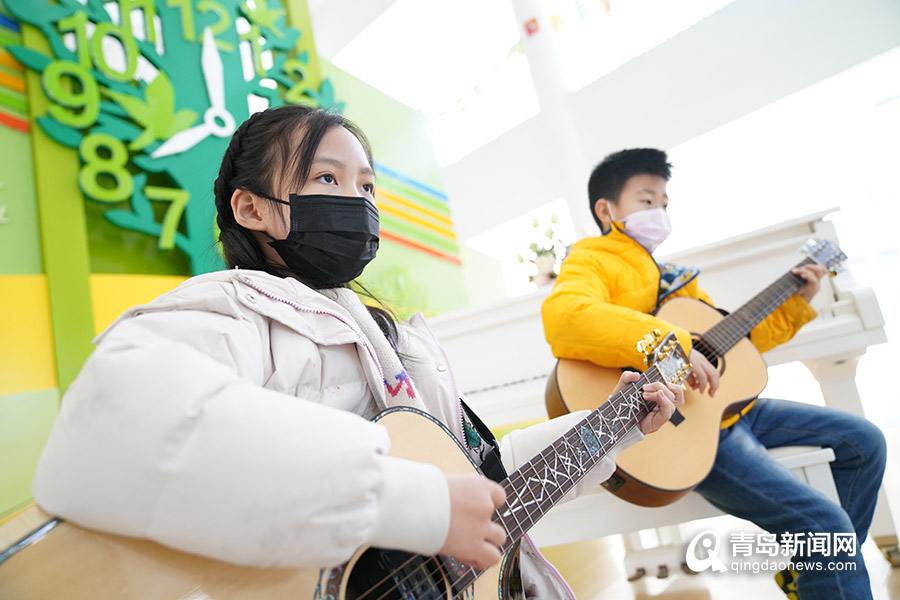 做什么生意比较赚钱:萌化!青岛小学生唱赞最美逆行,戳进看视频