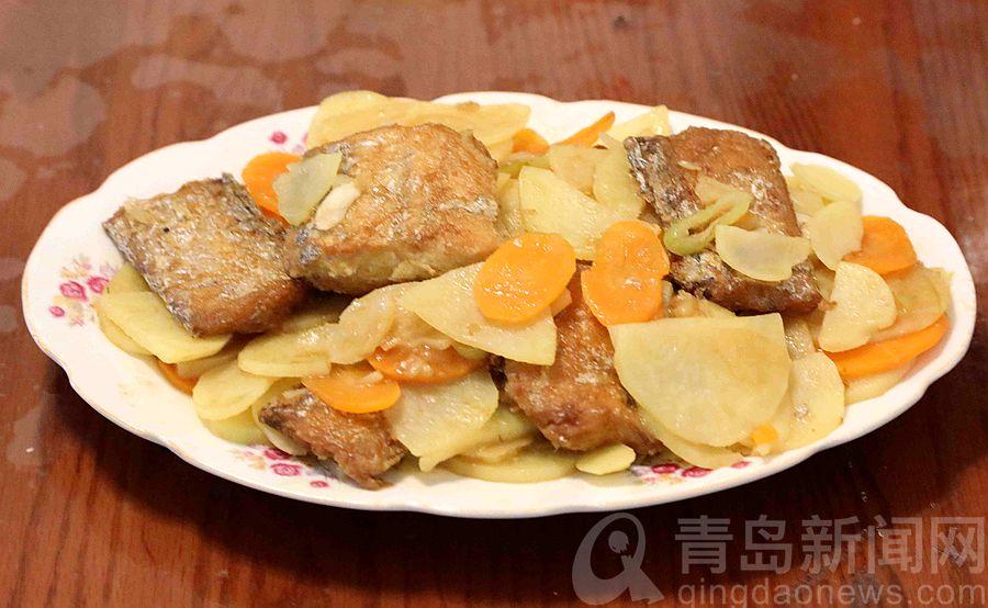 家常味道满满亲情 图文教你做刀鱼烧土豆片