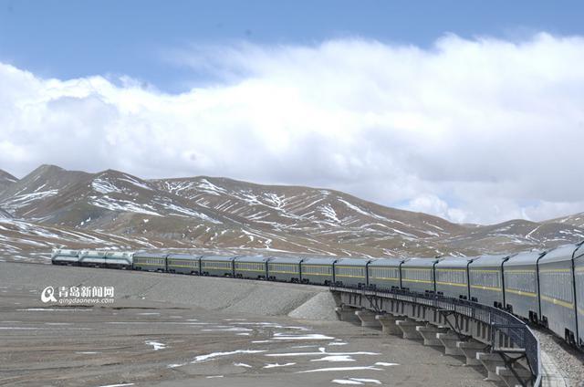 228辆青岛造列车跑世界屋脊 已安全运行10年