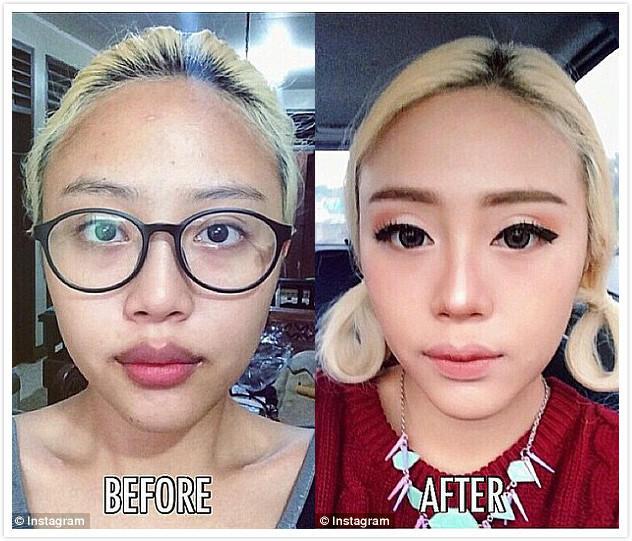 这位网友的素颜和化妆照对比也十分明显