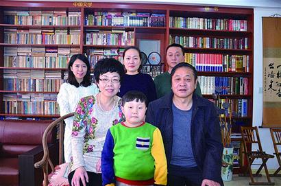 青岛十大最美书香家庭:六年级小姑娘月读90万字图片