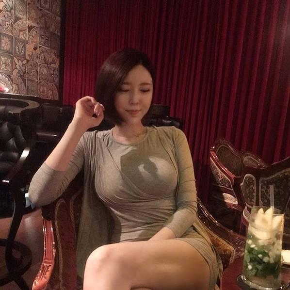 最骚的女主播_为了搞定这个女人,王思聪花了2亿仍是失败