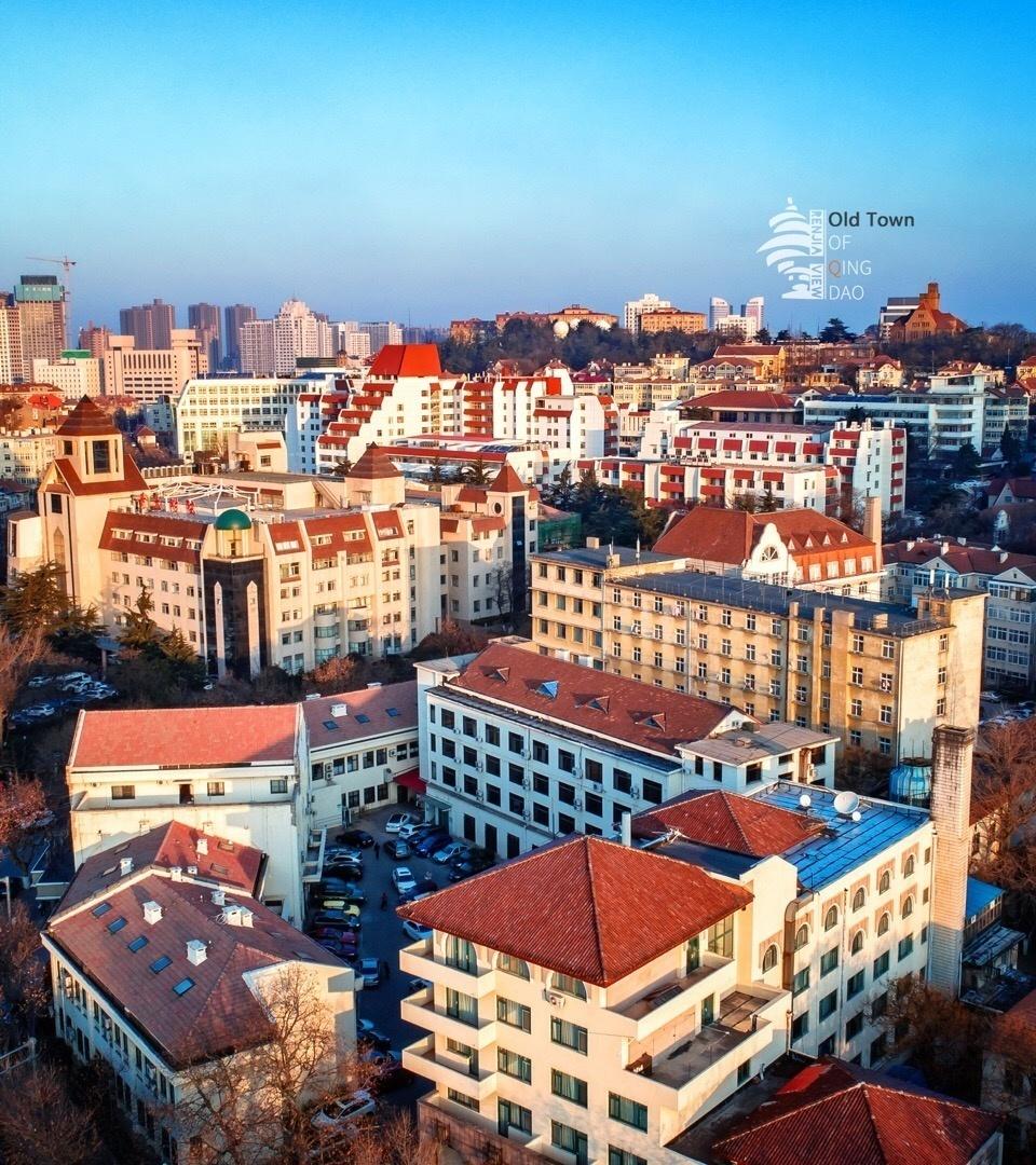 欧式红瓦酒店大门图片